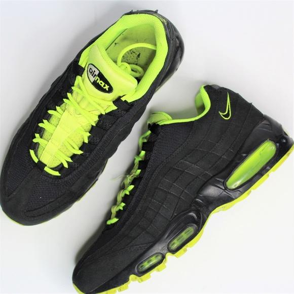 4a92c35a2497 Authentic Nike Air Max 95 Black Volt 609048-090 Me.  M 5c68891ad6dc5204e0fdfadb